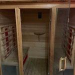 La cabine du sauna à infra rouge du gite de la Gorre en location