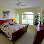 4. Schlafzimmer, King-Size Bett,  Meridian