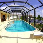 Die großzügige Terrasse hat Südlage, so dass auch Sonnenanbeter die herrliche Sonne Floridas bis in die Abendstunden hinein auskosten können. Meridian.