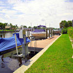 Für diese Villa kann auch ein Boot bzw. ein Jetski gemietet werden. Meridian.