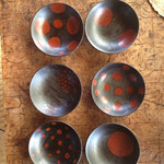 漆の仲間たち展。初めて作った豆皿6枚