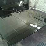 Laquage et vernissage anti-corrosion de la partie avant de la voiture