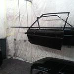 Laquage et vernissage anti-corrosion des portières d'une voiture par notre atelier de Toulouse