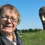 Mes sculptures, elles sont ce qu'elles sont, mais, on voit qu'elles apportent de l'espérance, où, qu'elles veuillent en donner. Louis DERBRE