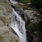 das Wasser beginnt zu fallen - the water begins to fall