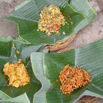 Mahlzeit auf Bananenblättern - meal on bananaleafs