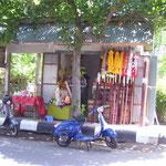Handicraft-tour: Making of Temple-umbrellas