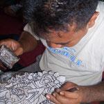 Handicraft-Tour: Herstellung von Schattentheaterpuppen (Wayang Kulit)