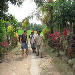 Our trekking-tour meets homes of locals