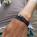Super weiches anschmiegsames Kalb-Leder -graublau- mit exclusiven TUYA Designs Edelweiß-Verschluß € 39,-