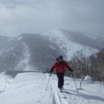 2/23山岳スキー検定会(日勝峠周辺)後ろは日勝ピーク