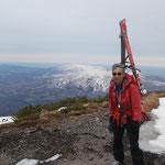 比羅夫側ピーク山頂(1850m)バックはニセコアンヌプリ