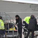 """Marcel Schmelzer """"Passsuche :-)""""- Airport Dortmund"""