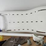 Eine Variante eines Sitzbretts für Badewanne. Einfach in der Breite zu verstellen.
