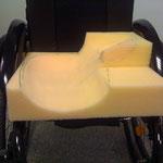 Eine individuelle Anfertigung eines Sitzkissens für in den Rollstuhl