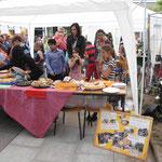 Jeder Euro zählt! - Kuchenverkauf zugunsten der Indienhilfe