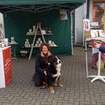 Weyhe Frühjarsmesse mit Reico-Hund Bella