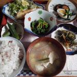 例)和食膳 (お肉・お魚が選べます)¥1000 別途飲み物¥400