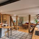 Die Küche mit dem erhaltenen Fachwerk