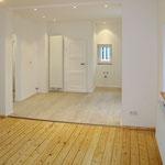 Durchbrüche vergrößern die Räume und sorgen für Helligkeit