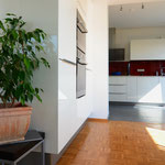Geöffneter Bereich zwischen Küche und Wohnraum