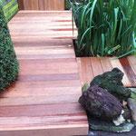 Holzsteeg aus Bankirai