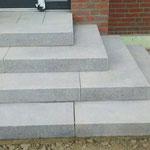 3-Seitig begehbare Stufenanlage
