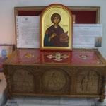 Berlin - racla cu sfinte moaste si cu vesmantul Sf. Parascheva