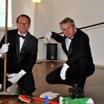 Tom Hanslmaier und Martin Hablesreiter/Putzen im Smoking