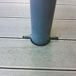 WPC Detail Steher Knotenblech Ausschnitt