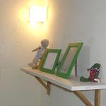 珪藻土の壁と飾り棚
