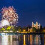 Feuerwerk über dem Speyer Dom