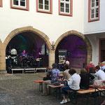 Rathauinnenhof: Black & Blue - Soulful Jazz