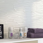 A magnificent cellular design that mimics dragonfly wings, tree branches, or a dry, cracked riverbed. Pair it with a painted wall or colored towels to further evoke natural imagery.