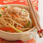 Yakisoba (Fried noodle with Japanese brown sauce)