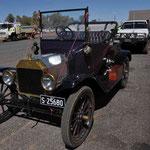100 Jahre altes Auto auf dem Suart HWY