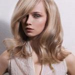 Причёска с Теменной Накладкой на сетке с Пробором - причёска с постижем, светло-русые прямые волосы