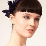 Причёска с ЧЁЛКОЙ на ободке - причёска с постижем, тёмно-русый