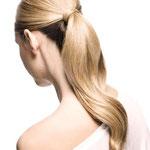Причёска с Резинкой из Волос - причёска с тонкой резинкой, светлый блонд прямые волосы