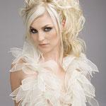 Причёска с НАКЛАДКОЙ - причёска с постижем, светлый блонд