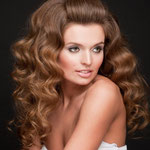 Причёска с НАКЛАДКОЙ на сеточке - причёска с постижем, русые волнистые волосы
