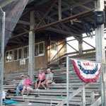 "La tribuna del ""Historic Hicks Field"" stadio storico del baseball"