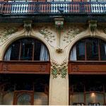 Façade Art Nouveau de l'hotel Holiday Inn à Toulouse.