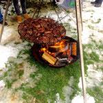 Steaks auf dem Schwenkgrill