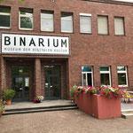 Eingang des Binarium, Männerquatsch Podcast #06 (Ausflug ins Binarium, Rayman Prototyp für SNES, Polybus von Jeff Minter)