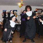 Klosterschwestern außer Rand und Band