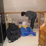 Lupita beim packen