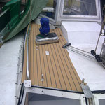 Erster Belag auf Deck, so soll dann das ganze Boot aussehen