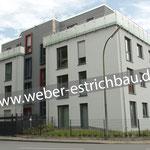 (2018) - Neubau eines Mehrfamilienhauses mit 10 WE, 37077 Göttingen - Wärmedämmung, schwimmender Calciumsulfat-Fließestrich, Bewegungsfugen, Estrich anschleifen