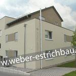 (2019) - Neubau Mehrfamilienhaus, 37327 Breitenbach - Wärmedämmung, Randstreifen, schwimmender Zementestrich